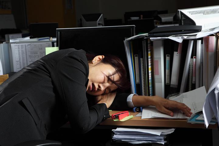 朝から晩までの長時間労働でも